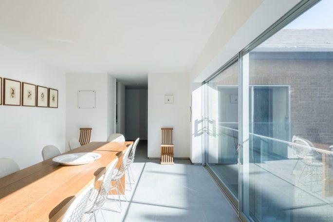 masterpiece of minimalism_Doris Lockhart.