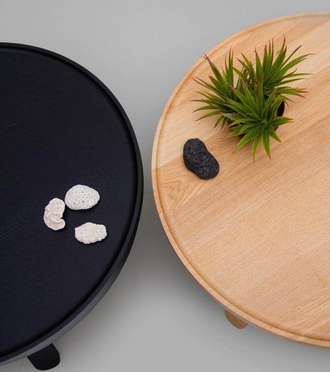 woodendot-medium-black-oak-batea-coffee-table-storage-top