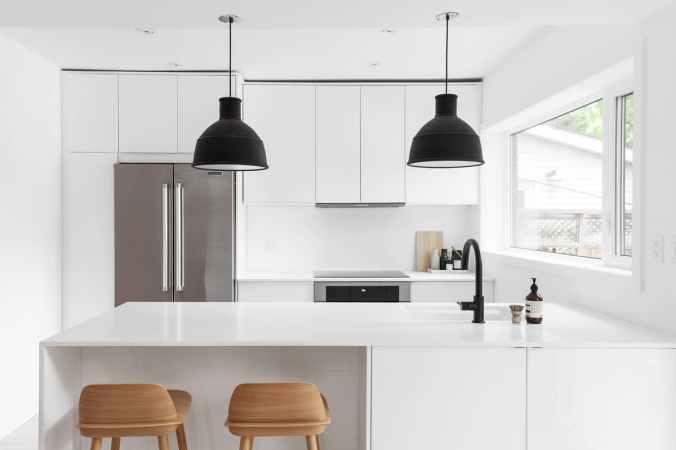toronto-declutting minimal-flat