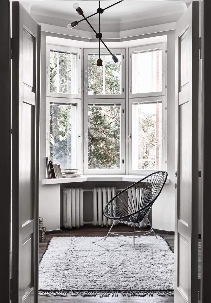 Laura Seppänen_B&w_house