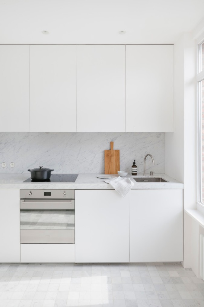 kitchen inspration, white kitchen, simple, minimal, ilovebeautiful things